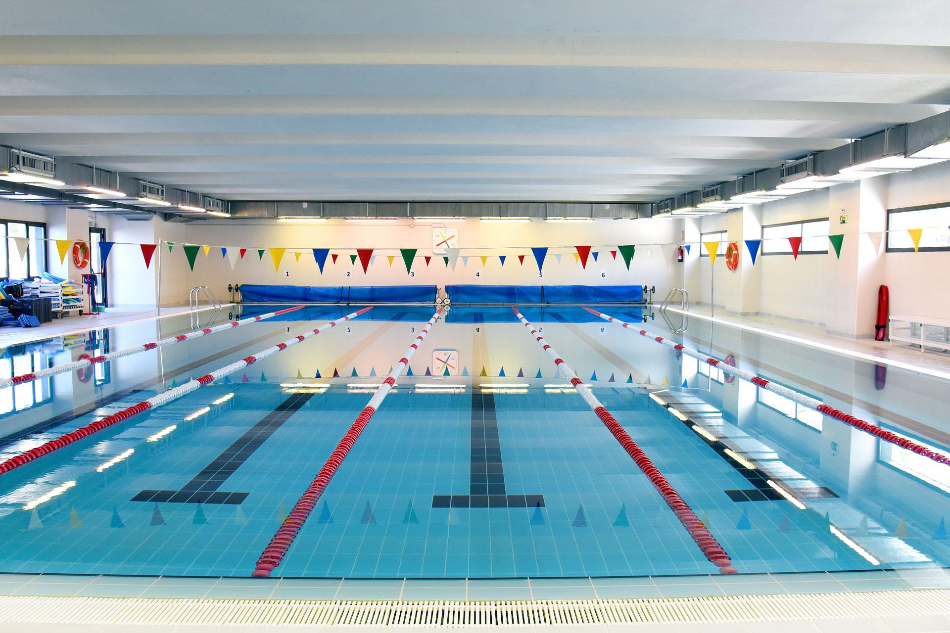 la blanca sports club piscina montecarmelo